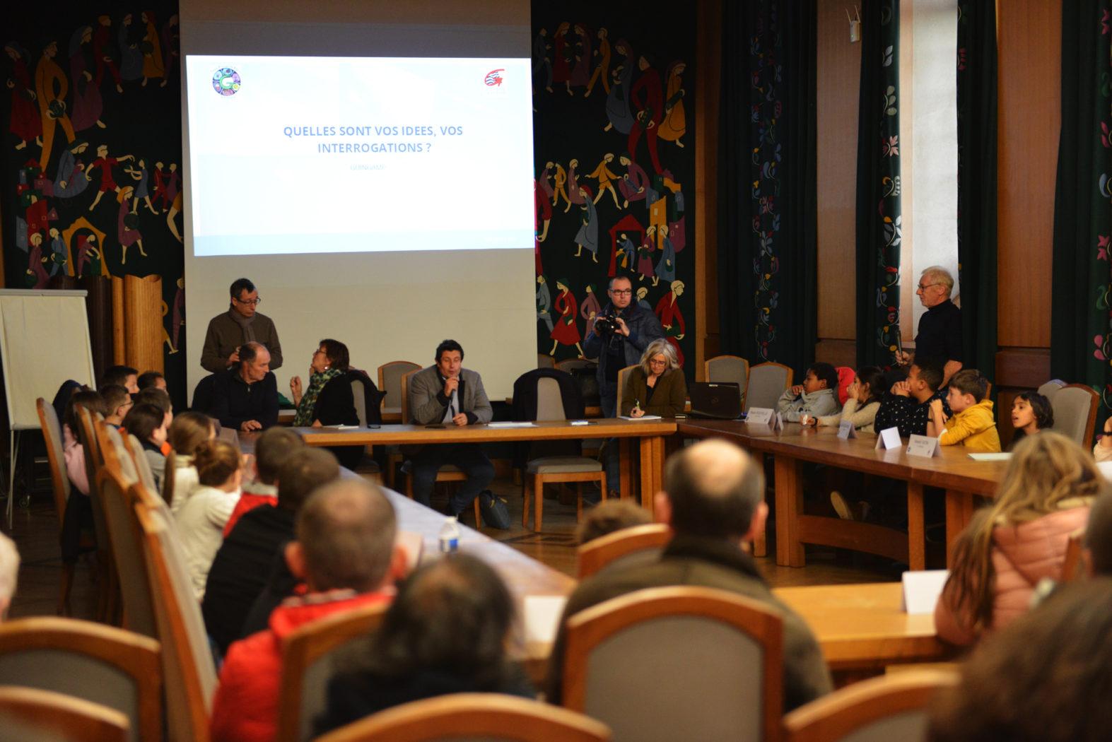 Première réunion du Conseil Municipal des enfants de Guingamp