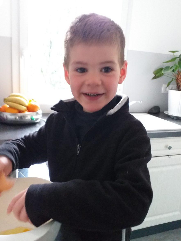 Arno fait la cuisine