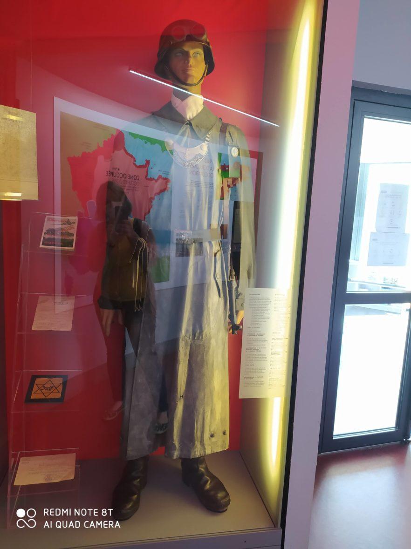 Les CM2 B au musée de la Résistance